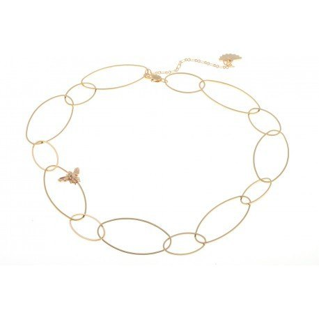 <p>Oval link choker with bee motif, 18k gold plated.</p> <p><br />Approximate length: 40 cm + adjustable extension.</p>