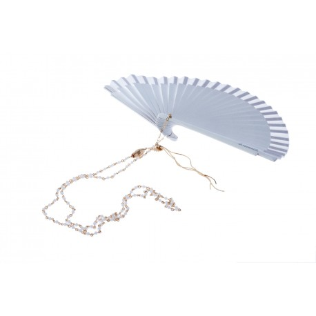 <p>Hand made in Spain white lacquered wooden fan (16cm) with white Swarovski crystal chain and 18k gold plated snake head.</p> <p>Aprox. length: 70cm</p> <p><span>You can make your own design!. Make the combinations to your taste, choose fan color, chain, adornment ... Or personalized with an initial, a name, a date ... contact us!</span></p>