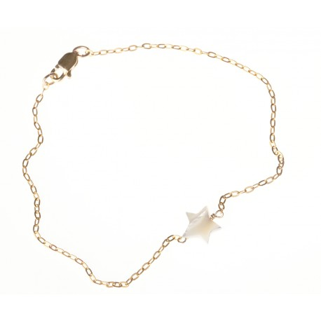 <p>Gold Filled chain bracelet (17cm aprox) with white mother of pearl star charm.</p>
