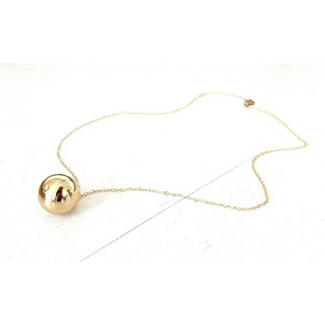 <p><span>Gold Filled chain necklace (40cm aprox.) with 18k gold plated ball pendant.</span></p>