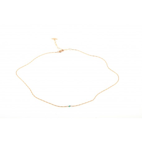 <p> <span>18k gold plated necklace with tinny green gemstone.</span></p> <p>Chain length: 38cm + extension. </p>