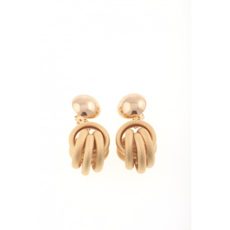 <p>Maxi clip earring with 18k matt gold tubular piece.</p>