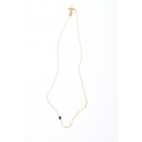<p><span>Gold Filled chain necklace (40cm approx) adorned with irregular colored crystals in two sizes. (more colors available).</span></p> <p><span> </span></p> <p><span>MOTHER'S DAY SPECIAL, CHOOSE CRYSTAL COLOR FOR MOM AND ADD AS MANY MINI CRYSTALS AS CHILDREN YOU WANT TO REPRESENT. PICK YOUR COLORS!</span></p> <p> </p>