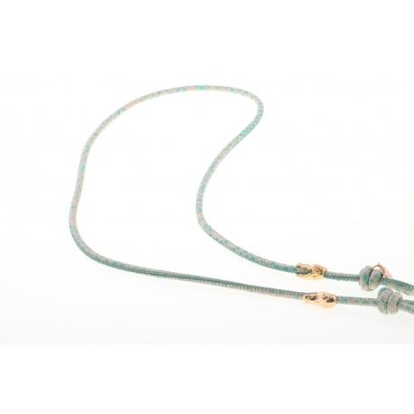 <p><span>Práctico collar para cualquier tipo de gafa.</span><br /><br /><span>Cordón de piel con motas verdes (3mm), con adorno de cabezas de cocodrilo (o calaveras) chapadas en oro de 18k.</span><br /><br /><span>Largo aproximado: 88cm</span><br /><br /><span>Disponible en más colores. Adorno de cabeza de cocodrilo o calavera, disponible también chapado en plata de ley. ¡Consúltanos!</span></p>