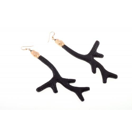 Branch earrings, black