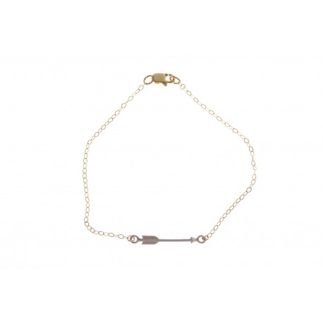 <p>Gold Filled chain bracelet (17cm aprox) with sterling silver arrow charm.</p>