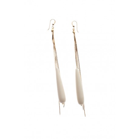 <p>Long earrings with 18k gold plated chains and dast bone drop.</p>