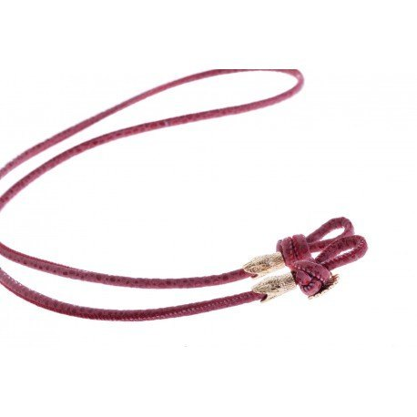 <p><span>Want to stroll stylish during summer without fear of losing your sunglasses? These sunglass cords are perfect to match every outfit! A very practical cord for any type of glasses. A leather cord in red with two snakes in 18K gold plated. The cord has a length of 88 cm and is suitable for everyone.</span></p> <p><span>More colors for choice. Please ask!</span></p>