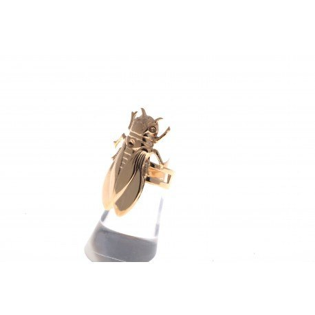 <p>Insects! Our cicada is also an adjustable ring, 18k gold plated.</p> <p>Length: 3,5 cm</p>