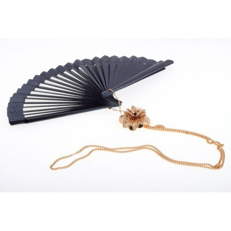 "<div id=""pb-right-column"" class=""eight columns""> <div class=""row""> <div id=""image-block"" class=""ten columns""> <p>Hand made in Spain black lacquered wooden fan (16cm) with 18k gold plated brass chain and golden brass flower.</p> </div> </div> </div> <div id=""pb-left-column"" class=""four columns""> <div id=""short_description_content"" class=""rte align_justify""> <p>Aprox. length: 70cm</p> <p><span>You can make your own design!. Make the combinations to your taste, choose fan color, chain, adornment ... Or personalized with an initial, a name, a date ... contact us!</span></p> </div> </div>"