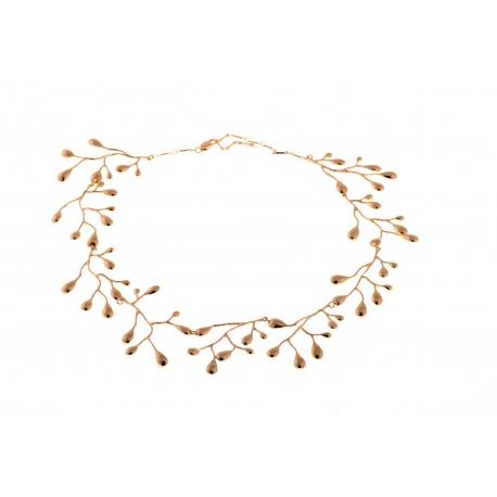 <p>Collar articulado formado de piezas en forma de ramas, de latón chapado en oro de 18k.</p>