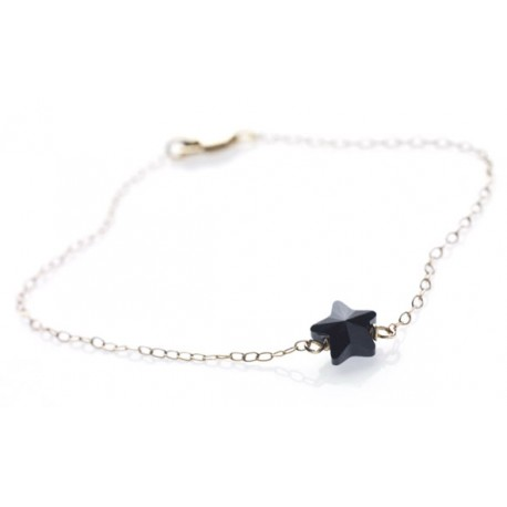 <p>Gold Filled chain bracelet (17cm aprox) with black Swarovski crystal star.</p>